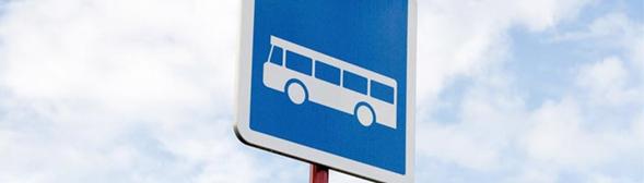 Panneau routier arrêt bus
